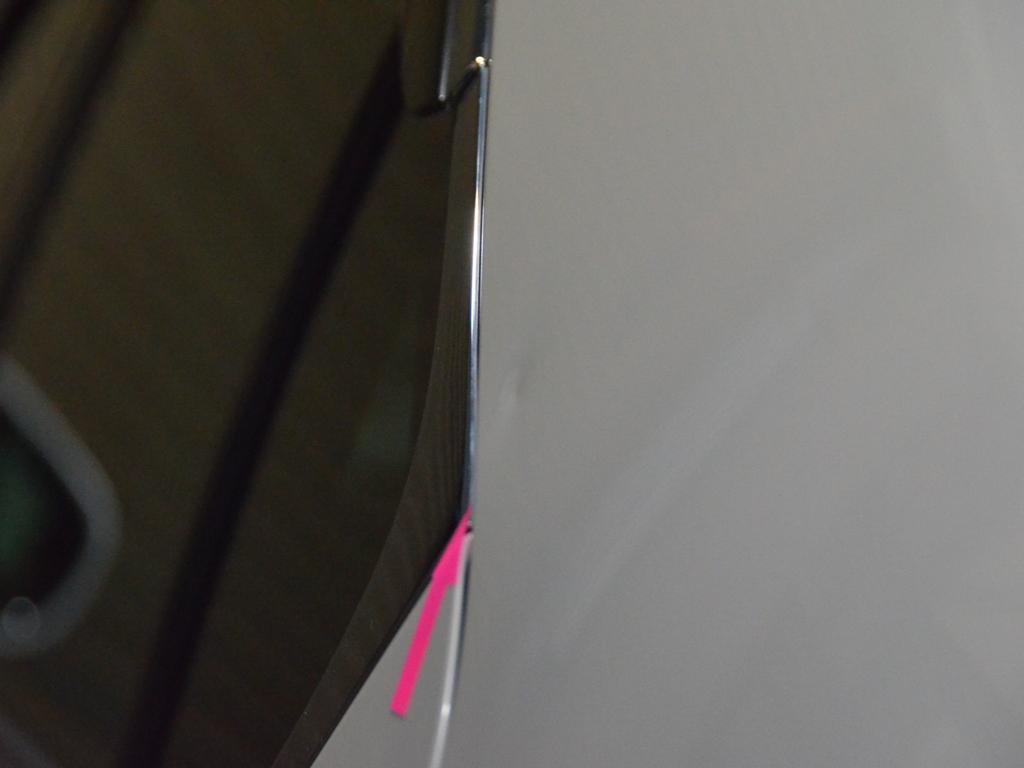 LS460のピラーをTRUSTデントリペア(へこみ修理)