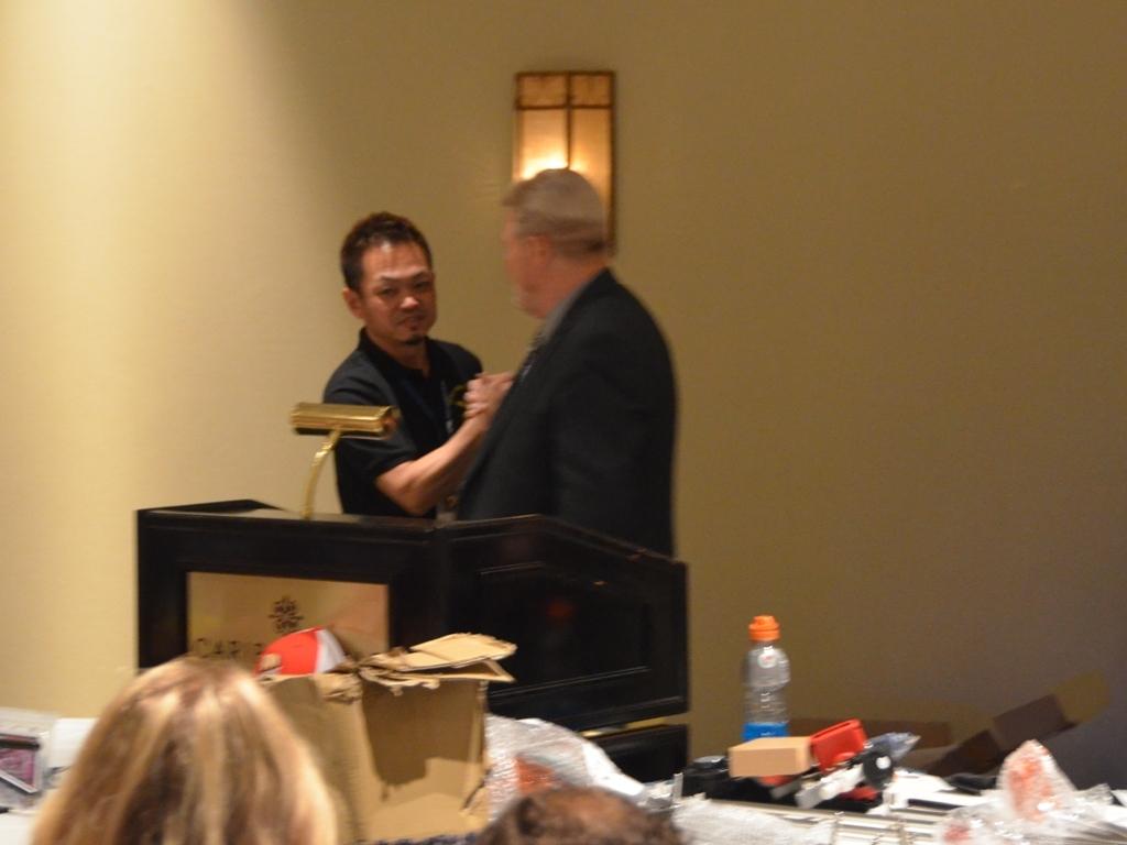 9位表彰 主催者の方とガッツリ握手