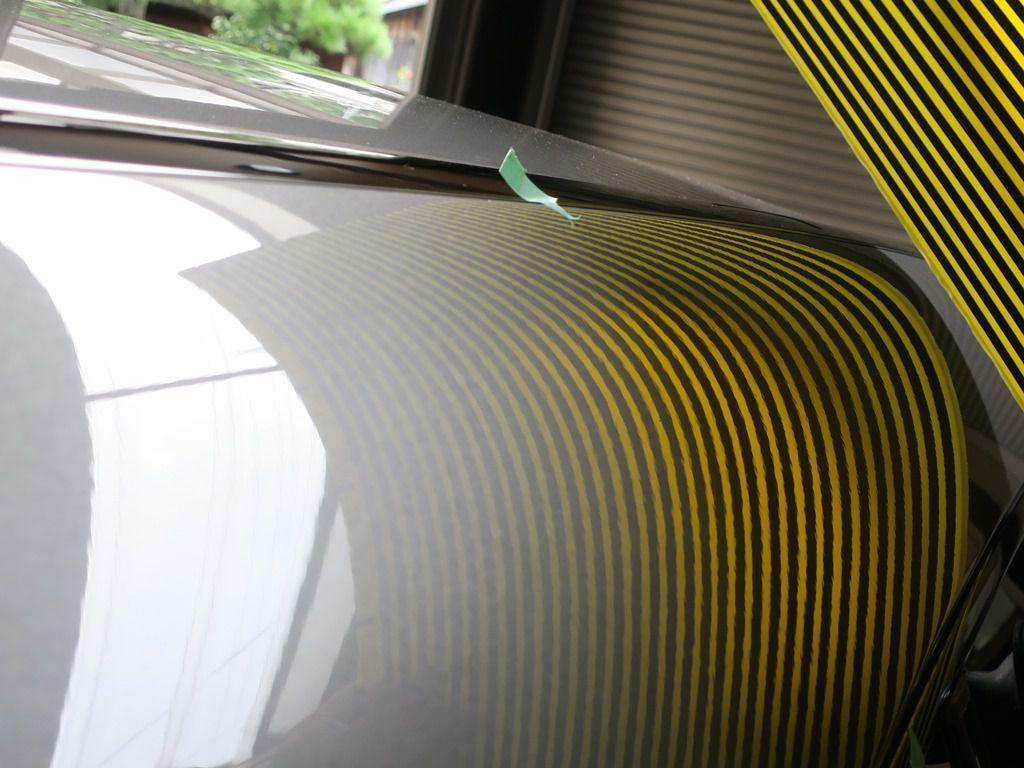 デントリペア 京都出張 CLAピラーの歪み修正 リフレクターボードで確認