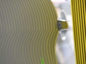右スライドドアのデントリペア後 リフレクターボードで確認