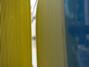 プリウスPHV ドアのデントリペア下側 修理後 リフレクターボードで確認