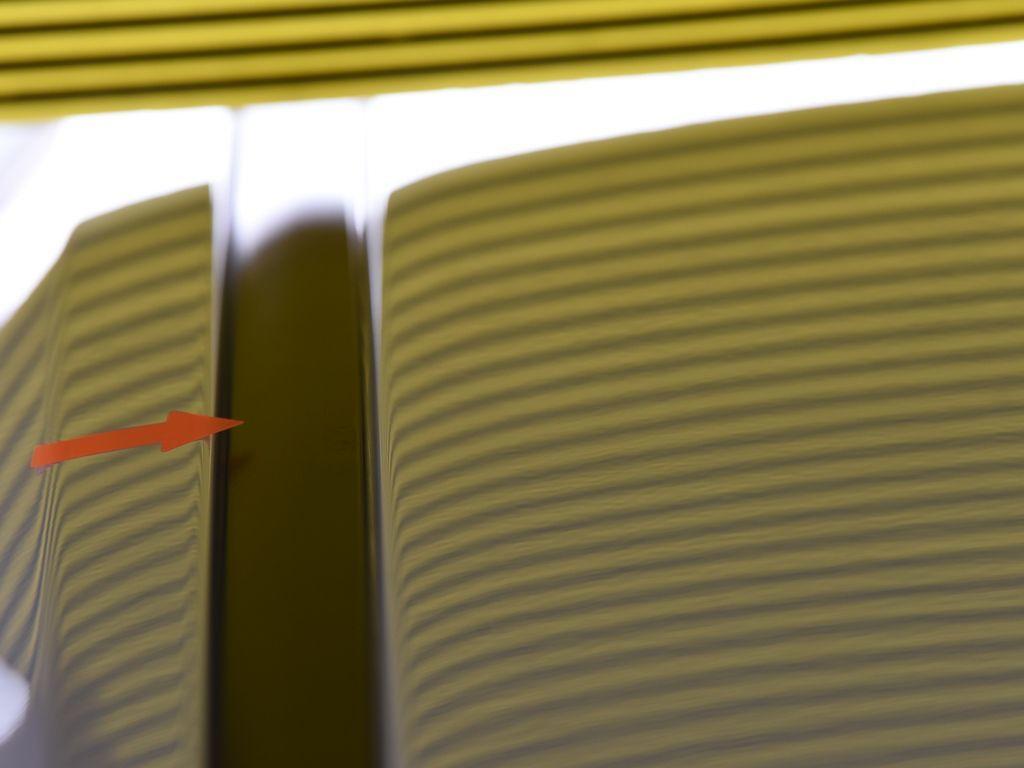 レクサス NX ルーフのデントリペア後 ラインボードで確認