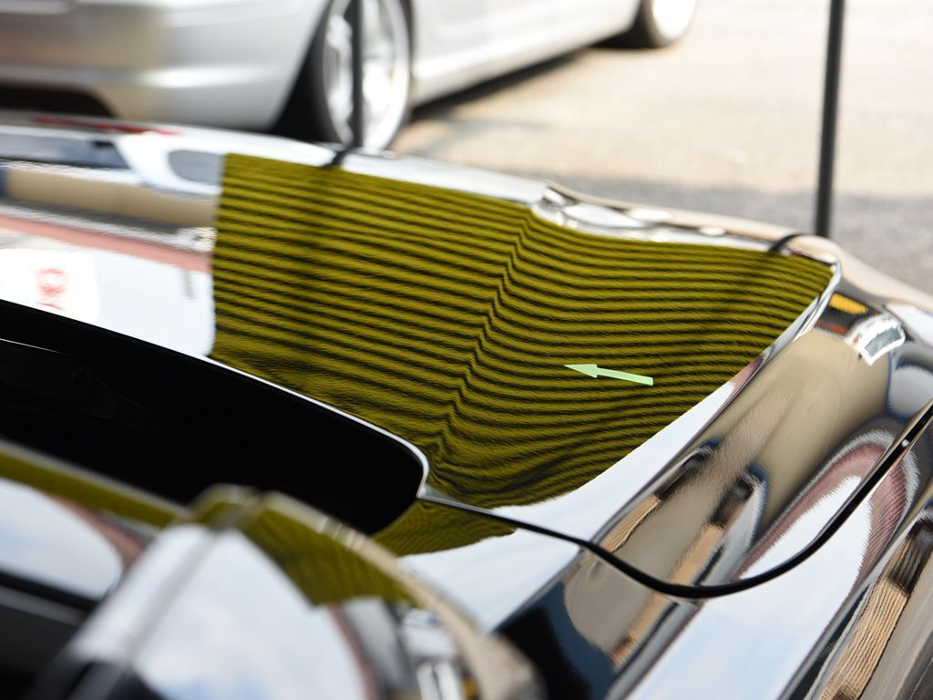 BMW420i ボンネットのデントリペア後 ラインボードで確認