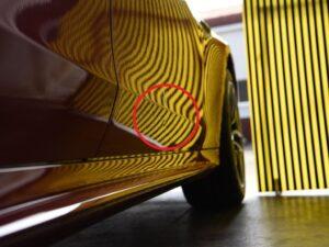 メルセデスAMG GT 4ドアクーペ 右フロントドアのデントリペア位置